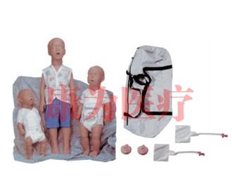 Kim(新生儿)、 Kevin(6个月)和Kyle(3岁)心肺复苏训练威廉希尔人